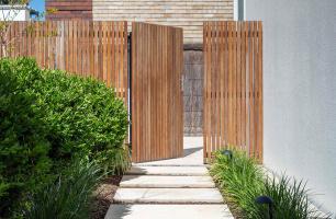 Landscape Construction Tradesperson Required!